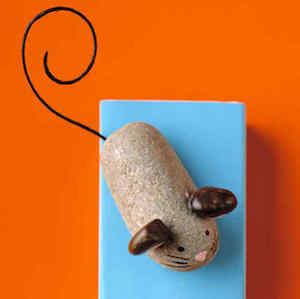 cute mouse rocks