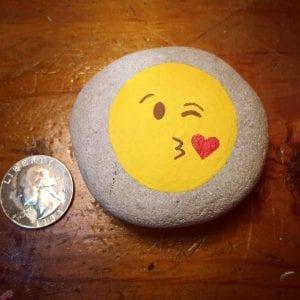 Emoji Kiss Rock