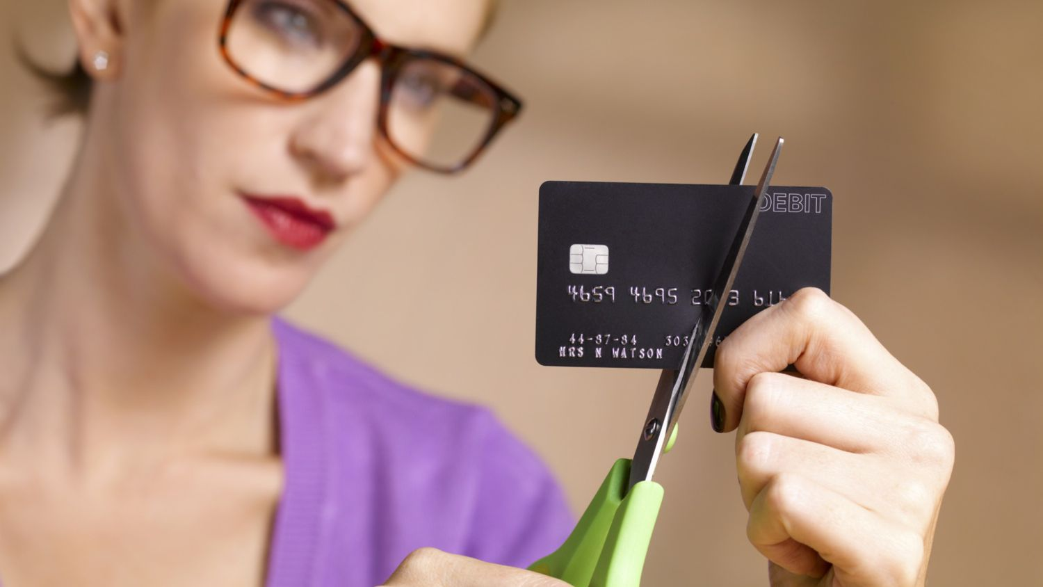 Stick to Cash and Stop Relying on Credit Cards